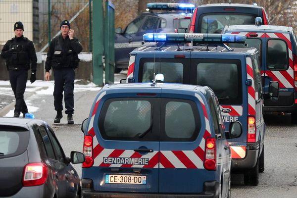 Le convoi de gendarmerie photographié à l'arrivée de Nordahl Lelandais à Chambéry, lundi.