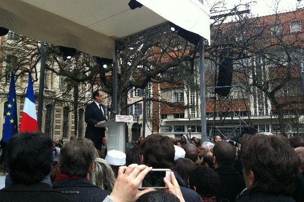 Un an après les attentats de Toulouse et Montauban, François Hollande prononce un discours d'unité à Toulouse