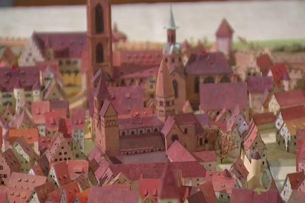 Louis Muckensturm a certainement passé des milliers d'heures à réaliser la maquette de sa ville
