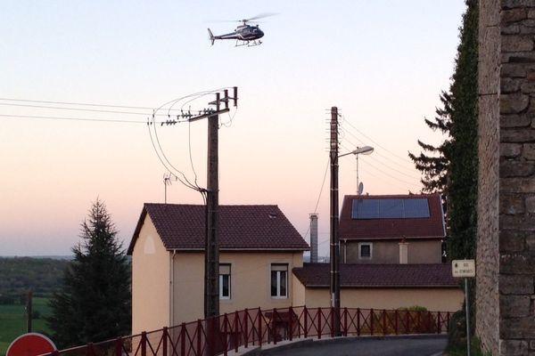 Un hélicoptère de la Gendarmerie participe aux recherches