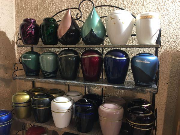 L'urne cinéraire en 2020 se décline de toutes les couleurs, et sa personnalisation est infinie