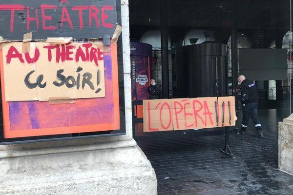 L'occupation de l'opéra de Lyon a débuté le lundi 15 mars dans le calme