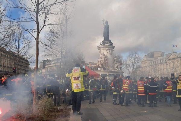 Manifestation des pompiers à Paris ce mardi 28 janvier
