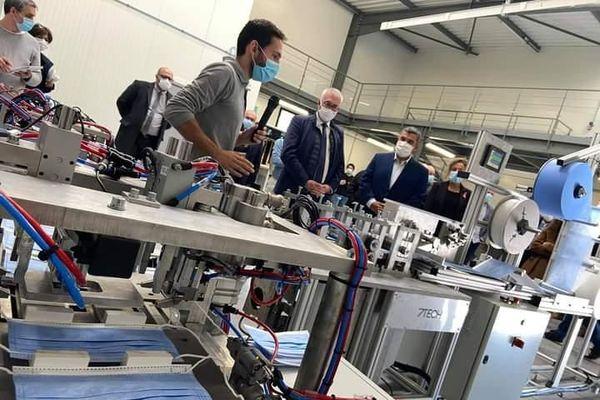 Deaux (Gard) : L'entreprise gardoise 7Tech fabrique des machines à produire des masques - archives.