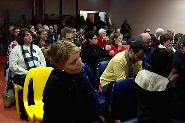 Les habitants de Genlis présents lors de la réunion publique autour du Projet de Centre Culturel et Cultuel à Genlis, dimanche 15 janvier.