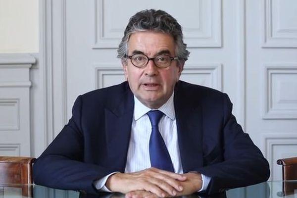 Alain Claeys, député-maire de Poitiers, s'exprime au sujet de la fusion des régions ( You Tube)