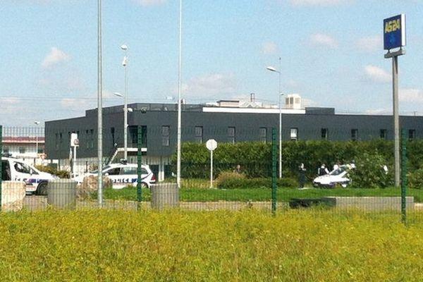 Un périmètre de sécurité a été instauré durant plus de 3 heures autour de la prison de Vendin-le-Vieil