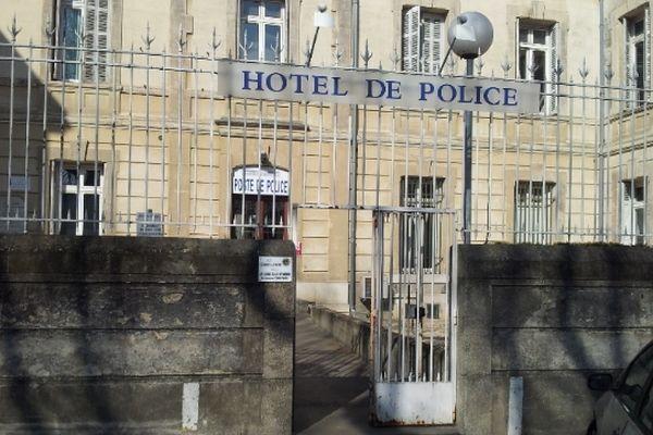 Carcassonne - Hôtel de police - février 2013.