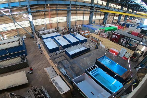 Au Havre, l'entreprise Kazéo fabrique des piscines à partir de conteneurs.