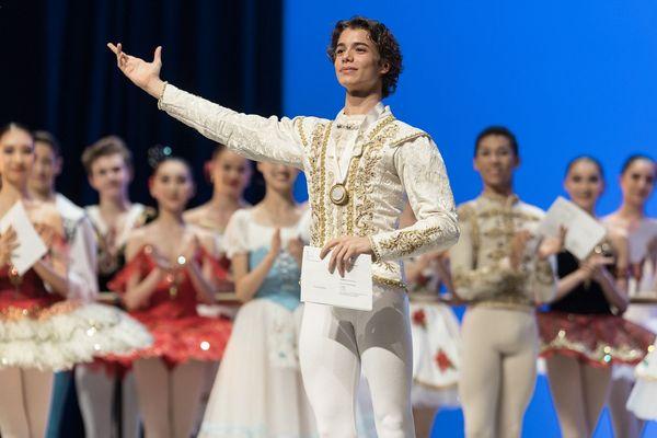 L'Italien Marco Masciari, élève à l'Académie Princesse Grace (Monaco), a remporté la médaille d'or du prestigieux Prix de Lausanne 2020.