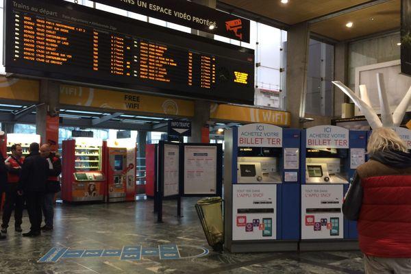 Le mouvement de grève semble reprendre de l'ampleur à la SNCF