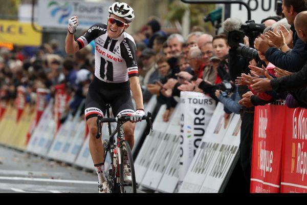Le Danois Sören Kragh Andersen, vainqueur du Paris-Tours 2018