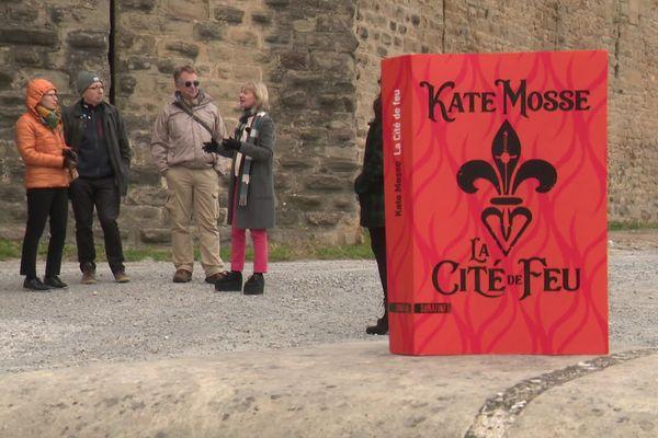 L'auteur britannique  Kate Mosse publie un nouveau roman le 23 janvier prochain : la Cité de Feu. La romancière est venue assurer la promotion de son nouveau livre dans l'enceinte de la cité médiévale qui sert de décor à ses personnages