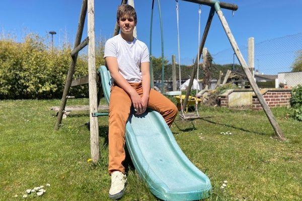 Louis, en vacances chez ses grands-parents dans la Marne, reprendra l'école ce lundi 26 avril en distanciel, et en classe le lundi 3 mai étant collégien