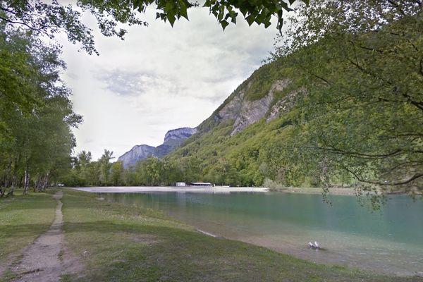L'un des trois lacs des Ilettes à Sallanches. Photo d'illustration.