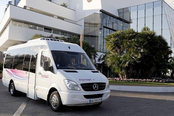 90 % de l'activité de cette entreprise d'autocars est générée par le tourisme, en berne pour cause de Covid-19.