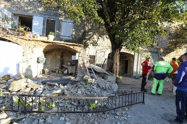 Plus de 1 000 personnes sont toujours relogées soit par leurs propres moyens, soit en structure d'hébergement d'urgence, après le tremblement de terre survenu le 11 novembre 2019.
