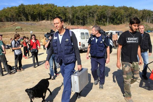 Les enquêteurs arrivent sur les lieux où Rémi Fraisse est mort