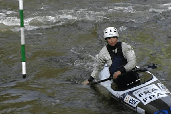 Lucie Prioux, championne de kayak d'origine corrézienne, à l'entraînement à Uzerche