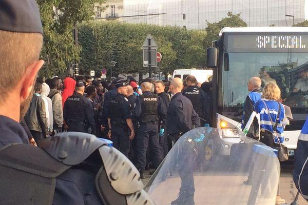 Evacuation des migrants square Daviais à Nantes, le 20 septembre 2018