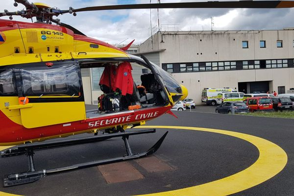 Mardi 23 février, Dragon 63 est l'un des 2 hélicoptères intervenus à Ambert pour un accident de la route. Photo d'illustration.