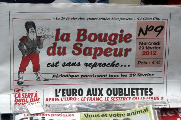 """Après quatre ans d'attente, """"La Bougie du Sapeur"""" de nouveau en kiosques ! (ici, un numéro de 2012)."""