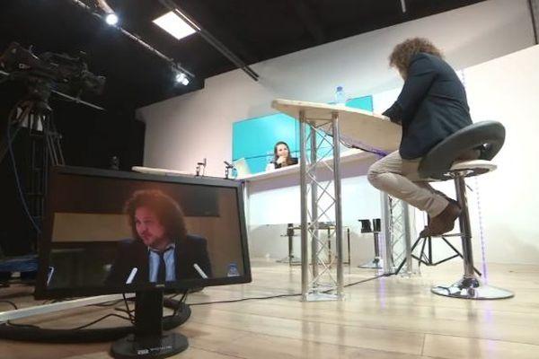 Le CES Las Vegas se déploie alors sur la toile. A Perpignan, une émission télé numérique leur est consacrée pendant 3 jours.