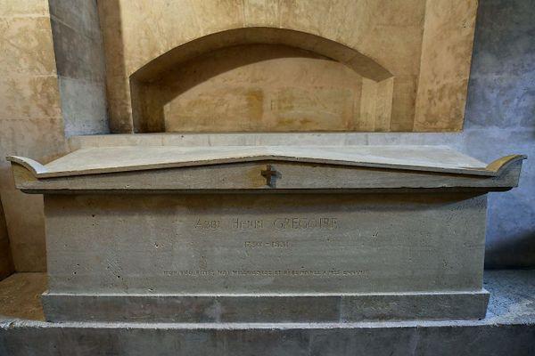 Le tombeau de l'abbé Henri Grégoire dans la crypte du Panthéon.