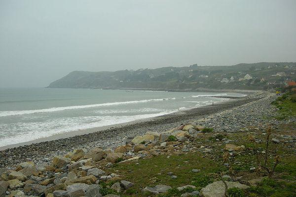 Dans le Cotentin, l'Anse de Sciotot passera une partie de la journée sous la pluie, en ce SAMEDI.