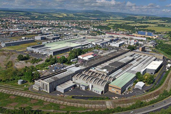 La CGT et 2 salariés de l'usine Constellium d'Issoire, dans le Puy-de-Dôme, ont été relaxés par le tribunal correctionnel de Clermont-Ferrand, lundi 3 mai.