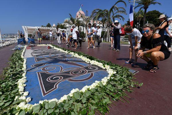 """La """"Promenade des Anglais"""" à Nice le 14 juillet 2017, un an après l'attentat qui a fait 86 morts et des centaines de blessés."""