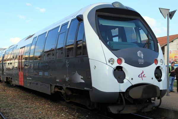 Illustration - Un train des Chemins de Fer de la Corse