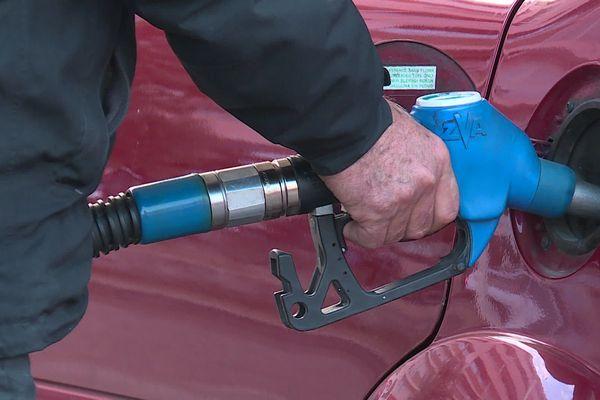 PrioriTerre à Nice : l'éthanol 85 un carburant végétal deux fois moins cher