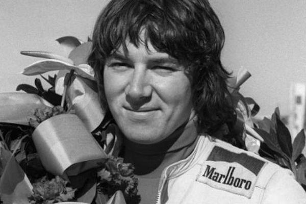 Entre 1974 et 1979, Christian Etrosi est quatre fois champion de France de moto en 750 cm3.