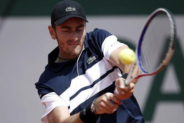 Elliot Benchetrit est qualifié pour le deuxième tout du tournoi de Roland Garros.