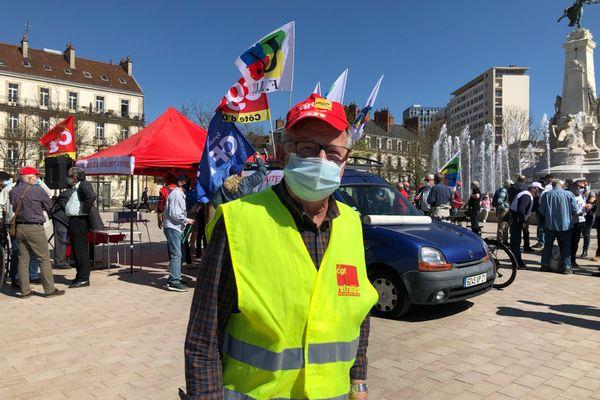 Guy Guillemenet, manifestant pour les retraites.