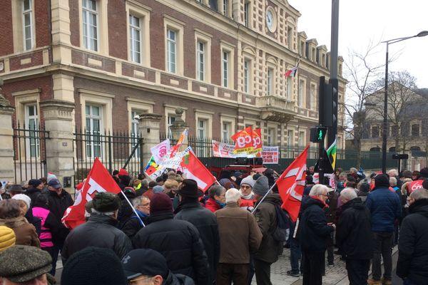 Quelques 250 retraités ont défilé dans les rues du Havre ce jeudi 31 janvier 2019.