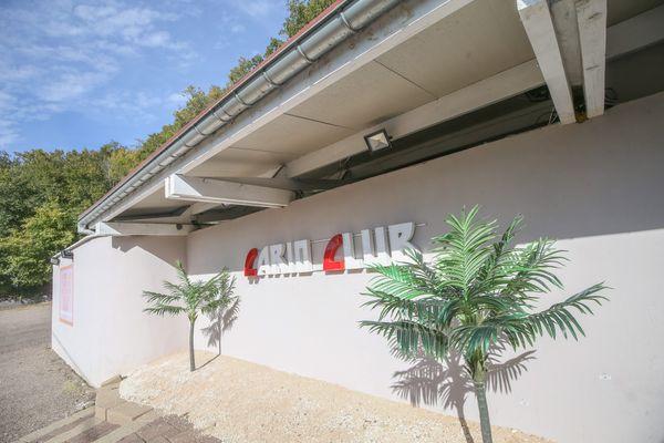 Le Cario Club est situé à Mathay, dans le Doubs.