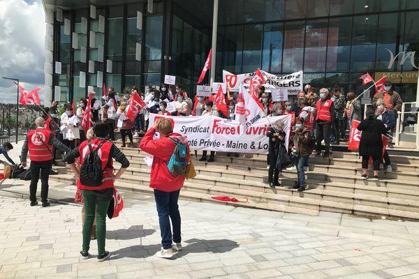 Manif des salariés de l'Ehpad St Nicolas à Angers, le 19 mai 2021