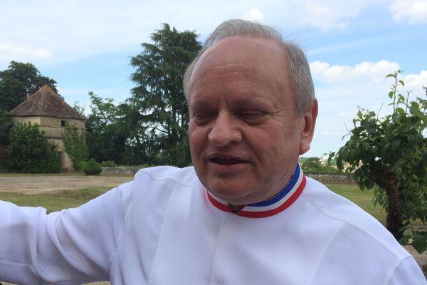 Joël Robuchon lors d'une visite à Montmorillon (Vienne)