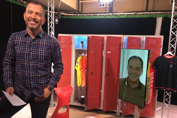Stéphane Moulin, entraîneur d'Angers SCO, lors de l'enregistrement de l'émission #USBFOOT avec Anthony Brulez