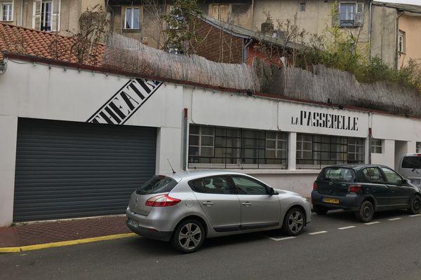 Le théâtre de La Passerelle à Limoges est fermé, mais une pièce y est pourtant jouée !