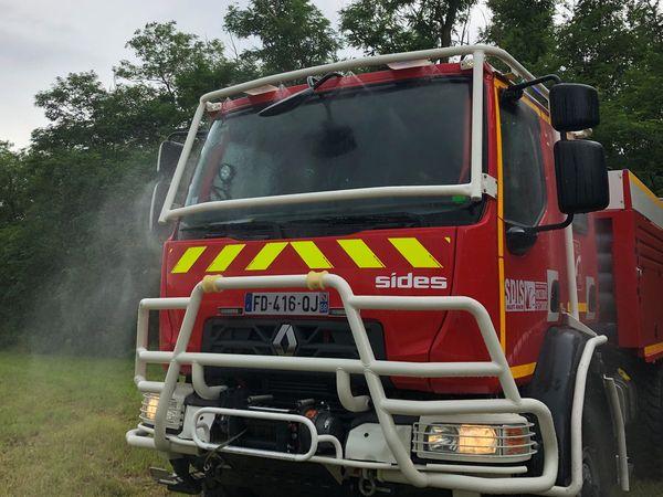 Une brume d'eau peu protéger le camion si le feu est très proche