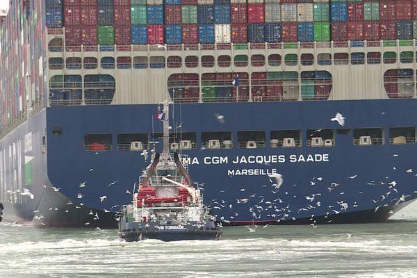 """Première escale au Havre du """"Jacques Saadé"""", le cargo CMA CGM"""