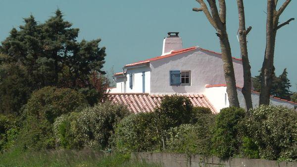 Les biens immobiliers à vendre se font rares à Noirmoutier et les prix grimpent.