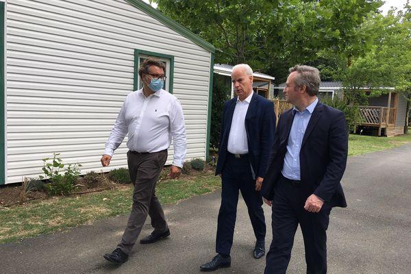 Jean-Baptiste Lemoyne et Alain Griset en visite dans le camping de Port Punay à La Rochelle