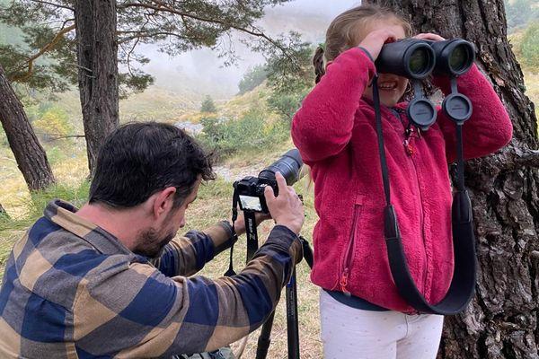 De ses 1 an à ses 3 ans, Naïs était en vadrouille avec son père Rémy Masséglia pour tourner un documentaire sur les loups.