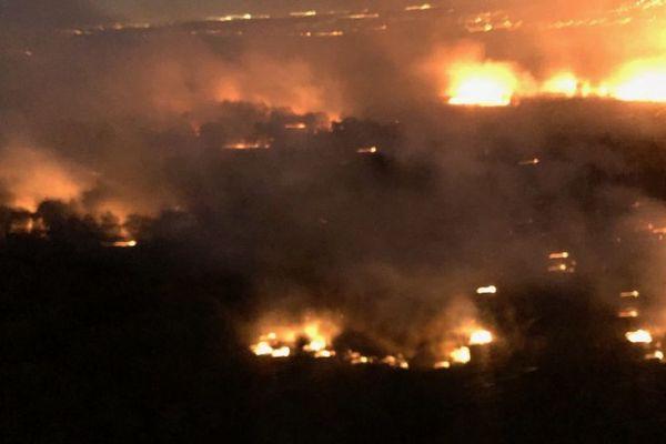 Un incendie dans la forêt de Sénart.