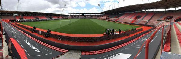 Un temps envisagé, le projet d'accueillir 5500 supporters au stade Ernest Wallon de Toulouse pour assister à la retransmission du match sur écran géant a été retoqué.