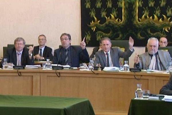 Les élus du conseil général de la Creuse ont demandé le retrait du permis de recherches de mines d'or accordé à Cominor, lundi 19 mai 2014